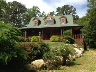 Charming 3 Bed/3 Bath Custom House In The Heart Of Cape Cod - Brewster, MA - Cape Cod
