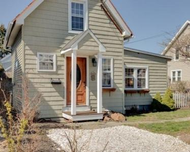 Little House By the Sea - New Haven, CT Vacation Home Rental