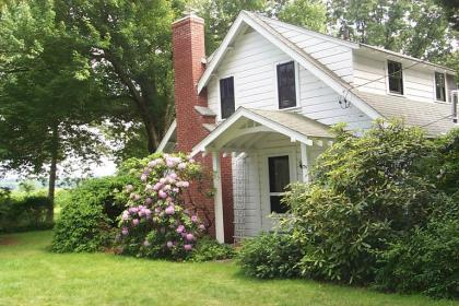 Summer Cottage Dating Back To The 1920's - Barrington, RI Vacation Rental, East Bay