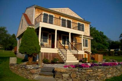 Contemporary Cottage In Little Compton - Little Compton, RI - East Bay Region RI Vacation Rental