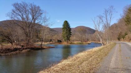 A Beautiful Cabin On Pine Creek - Wellsboro, PA - Pennsylvania Wilds Region PA Vacation Rental
