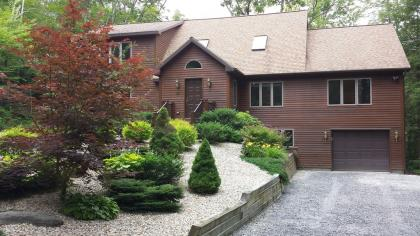 Berkshires, Deluxe New 5 Bedroom, Available Thanksgiving, Christmas, Summer & Winter Months!!! Call