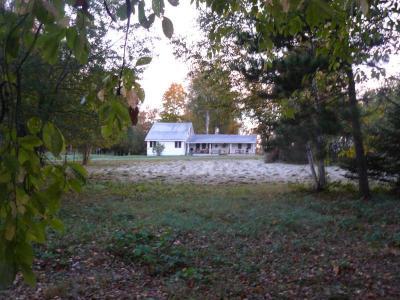 Cozy 3 Bedroom Lakeside Home - Orient, ME - Aroostook County Maine